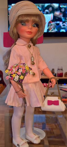"""Simona is channeling Ann Marie; wearing """"Primavera A Venezia"""" and fabulous accessories. Vintage Dolls, Captain Hat, Ann, Childhood, Corner, How To Wear, Accessories, Fashion, High Fashion"""