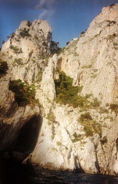 #magiaswiat #włochy #podróż #zwiedzanie #europa #blog #rzym #asyż #capri Mount Rushmore, Capri, Mountains, Nature, Blog, Travel, Europe, Naturaleza, Viajes