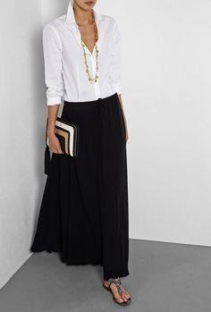 Black chiffon maxi skirt with white blouse over 60 fashion, over 50 womens fashion, Over 60 Fashion, Over 50 Womens Fashion, Fashion Over 50, Look Fashion, Fashion Design, Fashion Black, Fashion Spring, Autumn Fashion Women Over 40, Trendy Fashion