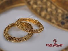 Ithiassic – Gold Jewellery That Is A Feast For The Eyes! Gold Bangles Design, Gold Jewellery Design, Gold Jewelry, India Jewelry, Designer Jewelry, Antic Jewellery, Bridal Jewellery, Nose Ring Jewelry, Indian Wedding Jewelry