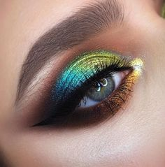 summer July-August ill be taking private lessons and masterclasses only so for booking your spot send me a DM? one-on-one training flexible schedule and program. Our individual training of a colorful makeup with ? my demo This summe. Makeup Beauty Box, Queen Makeup, Makeup Inspo, Makeup Pics, Fairy Makeup, Makeup Quotes, Mermaid Makeup, Eyeshadow Looks, Eyeshadow Makeup