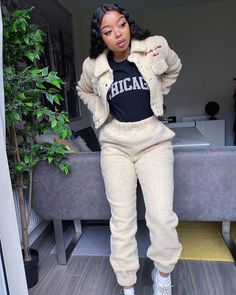 Cute Lazy Outfits, Cute Swag Outfits, Dope Outfits, Casual Outfits, Fashion Outfits, Womens Fashion, Lit Outfits, Winter Outfits, Black Girl Fashion