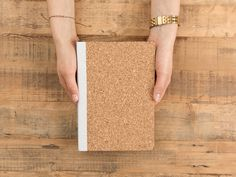DIY tutorial: Make a Cork Notebook via en.DaWanda.com
