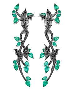 if i were i rich girl, these would be the first on my list to buy!! earings made with emeralds.....so pretty!