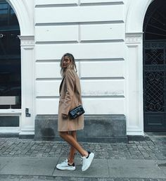 Find images and videos about girl, fashion and style on We Heart It - the app to get lost in what you love. Fast Fashion, Love Fashion, Fashion Beauty, Girl Fashion, Fashion Outfits, Fashion Photo, Easy Style, Selfies, Vogue