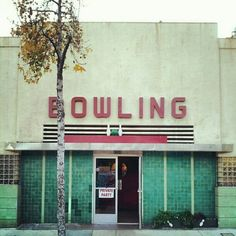 iconic montrose bowling alley - on honolulu blvd. - #bowling, #montrose, #california