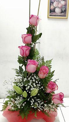 Valentine's Day Flower Arrangements, Arrangements Ikebana, Tropical Floral Arrangements, Funeral Floral Arrangements, Flower Arrangement Designs, Deco Floral, Arte Floral, Beautiful Bouquet Of Flowers, Flower Decorations