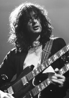 Early Zep days, Jimmy and his dragon telecaster., Jimmy giving it his all. This one is kind of different, but I somehow like it. Led Zeppelin, Blues Rock, Great Bands, Cool Bands, Hard Rock, The Yardbirds, John Bonham, John Paul Jones, Jimmy Page