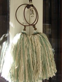 Great idea for any hoops. could crochet to cover and use up old beads/yarn. Yarn Crafts, Diy And Crafts, Crafts For Kids, Arts And Crafts, Diy Tassel, Tassels, Diy Projects To Try, Sewing Projects, Blow Paint