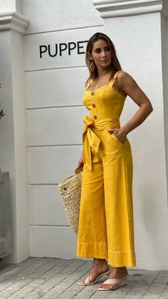 New Ideas For Fashion 2020 Blouse Classy Outfits, Stylish Outfits, Fashion Outfits, Latest African Fashion Dresses, Stylish Dresses, Jumpsuits For Women, Fashion 2020, Clothes For Women, Fashion Design