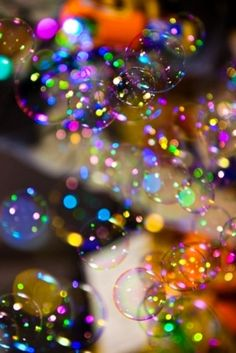 Colorful bubbles that remind us that the world is full of color and fun-you just have to find it. Colorful Bubbles, Rainbow Bubbles, Color Splash, Foto Macro, Foto Fantasy, Bubble Balloons, Blowing Bubbles, World Of Color, Over The Rainbow