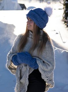 Ravelry: Frosty Waves Votter pattern by Hilde Sørum Mittens Pattern, Wave Design, Stockinette, Needles Sizes, Ravelry, Winter Hats, Feminine, Waves, English