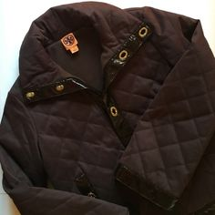 ✂️ SALE ✂️ Tory Burch Quilted Jacket ⭐️ HOST PICK 2/3 ⭐️ Tory Burch brown quilted jacket with dark brown patent leather trim and gold hardware accents. The interior is lined with fleece so it's very warm. An absolutely stunning piece in perfect condition! Fits a true size 8. Tory Burch Jackets & Coats