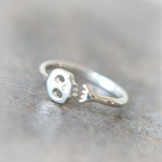 Cute Skull ring in sterling silver by laonato on Etsy, $32.00