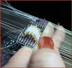 Beads Beading Beaded, with Erin Simonetti: Layers Of Looming, weven, laag op laag weven, weefraam Bead Loom Patterns, Jewelry Patterns, Bracelet Patterns, Beading Patterns, Jewelry Making Tutorials, Beading Tutorials, Beading Ideas, Beading Supplies, Beaded Crafts