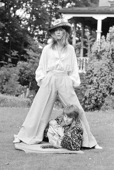 29th June 1971:Mr and Mrs Bowie take three-week-old Zowie for a walk  Pictures by Ron Burton