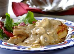 Pork Chops in a Creamy Black Pepper & Mushroom Sauce... a most delicious #family #dinner