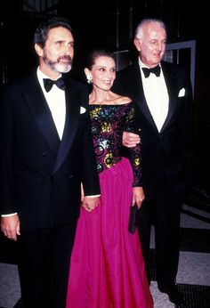 Hubert de Givenchy, Audrey Hepburn, and Robert Wolders attend the Eighth Annual Night of Stars Fashion Gala on November 1991 at the Waldorf Hotel in New York City. Audrey Hepburn, Old Hollywood Stars, Golden Age Of Hollywood, British Actresses, Actors & Actresses, Robert Wolders, Shirley Maclaine, Roman Holiday, French Fashion Designers