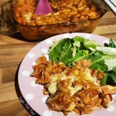 Sugar Pink Food: Slimming World Friendly Recipe: Creamy Chicken, Bacon and Tomato Pasta Bake Healthy Pasta Bake, Healthy Broccoli Salad, Salad Recipes Healthy Lunch, Healthy Pastas, Pasta Salad For Kids, Salads For Kids, Pasta Dinners, Beef Recipes For Dinner, Meals