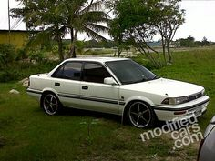 Toyota Corolla SE Limited photos, picture # size: Toyota Corolla SE Limited photos - one of the models of cars manufactured by Toyota Auto Toyota, Toyota Cars, Corolla Wagon, Customize Your Car, Car Headlights, Latest Cars, Honda Accord, Toyota Corolla, Mazda