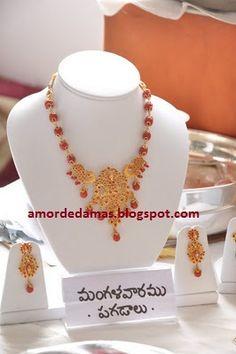 Coral Jewelry, India Jewelry, Bridal Jewelry, Beaded Jewelry, Jewelry Necklaces, Jewelery, Gold Necklace Simple, Gold Choker Necklace, Diamond Choker