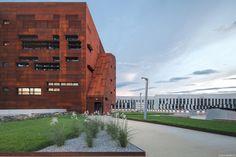 Centro de Auditorios en el Campus WU / BUSarchitektur
