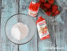 Tired of protein shakes and smoothies? Jazz it up with this yummy strawberry cheesecake protein pudding recipe. Cheesecake Pudding, Protein Desserts, Protein Snacks, Cheesecake Cups, Strawberry Cheesecake, Premier Protein Shakes, Best Protein Shakes, Protein Shake Recipes, Diet