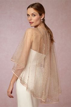 Inspiration and ideas for using sequins, sparkle and tulle in your wedding and wedding attire. Sequin and tulle bridesmaid dresses, and crystal and tulle bridal accessories are highlighted. Wedding Cape, Bridal Cape, Wedding Shawl, Tulle Wedding, Wedding Attire, Casual Wedding, Trendy Wedding, Wedding Ceremony, Stil Inspiration