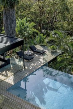Photo 2 of 9 in An Australian Family Kicks Back in a California-Inspired Pool Pavilion - Dwell Jacuzzi, Newport House, Outdoor Pavilion, Dark House, Australian Architecture, French Architecture, Swimming Pools Backyard, Infinity Pool Backyard, Le Havre