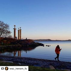 Veien til lykke er ute. #reiseliv #reisetips #reiseblogger #reiseråd  #Repost @wsc_irensm_fs with @repostapp  God morgen  Hafrsfjord Norway #godmorgennorge #ig_eurasia #bns_landscape