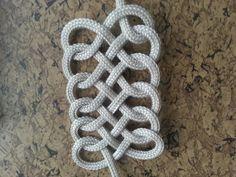 Single rope knots