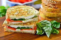 The fusion of pizza and sandwiches – why not, right? I've seen some crazy grilled cheese combos on various foodie sites lately and while this one isn't necessarily crazy wild, it&… I Love Food, Good Food, Yummy Food, Tasty, Soup And Sandwich, Sandwich Recipes, Pizza Sandwich, Tomato Sandwich, Grilled Sandwich