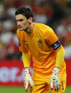 Arsenal and Tottenham chasing Lyon keeper Hugo Lloris