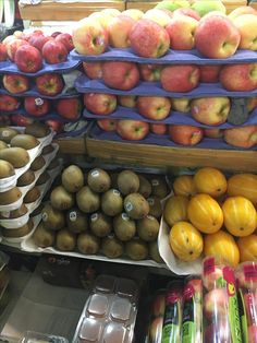 Apples, mango and other fruits. Good Carbs, Healthy Carbs, Healthy Food, Healthy Recipes, Baking Recipes, Whole Food Recipes, Smoothie Recipe Book, Canadian Food, Vegetable Seasoning