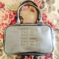 GIVENCHY PARFUM TOTE Gorgeous make up bag/tote! Perfect condition! Designer! NO TRADES OFFERS WELCOME Givenchy Bags Totes