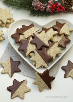 Poppy stars with chocolate Angie- Makové hviezdičky s čokoládou Christmas Sweets, Christmas Candy, Christmas Baking, Cookie Recipes, Dessert Recipes, Desserts, Gingerbread Cookies, Christmas Cookies, Biscuits
