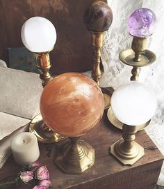 I will have several spheres available in the update Featured here are amethyst, orange calcite, selenite and tiger eye Getting more and more excited! Wishing all of you a beautiful day ✨