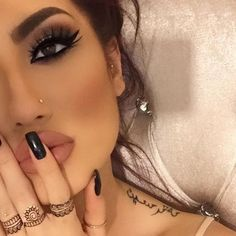 #anastasiabrows @hellyluv  Using #Dipbrow  #anastasiabeverlyhills