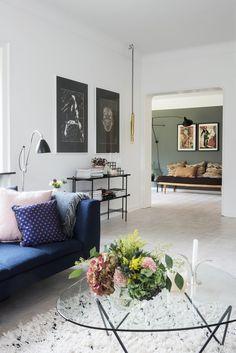 Fantastisk funkis i feminin stil Home Living Room, Gravity Home, Home, Living Room Decor, New Living Room, Interior Design, Interior Inspo, Home And Living, Minimalist Home