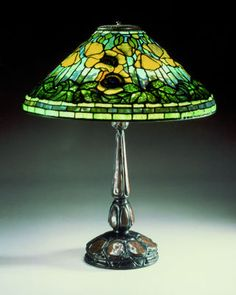 Louis Comfort Tiffany (1848-1933). Poppy table lamp. s.d. Private collection