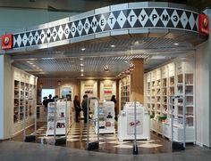 Mostaza Design | Dufry | Pulkovo Airport | St. Petersburg | Gourmet, toys & chocolate shop |  New Shop Concept | #retaildesign #mostazadesign #dufry #interiordesign #interiors #retail #furnituredesign #travelretail #airport #dutyfree