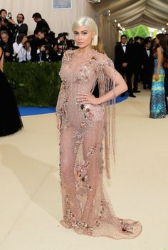 omgthatdress: Didn't Kylie Jenner basically wear the same dress last year? Oh well, I wasn't expecting fashion adventurousness from a K-J, anyway.