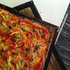 #ShareIG Et par brett #pizza er #søndagstandard til #guttungene ! Snurr film! #kokkerikokkera