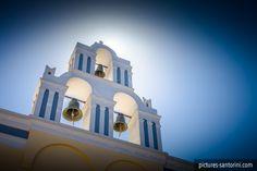 Belltower against the summer sun in Firostefani, Santorini. Santorini Island, Santorini Greece, White Building, Greek Islands, Beautiful Islands, Summer Sun, Tower, Blue And White, Accounting Logo