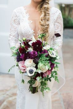 Floral: Unique Floral Designs - Miranda and Danny's Wedding at Vibiana by Lisa Kahn (Coordinator) + One Eleven Photography (Photo and video) - via Grey likes weddings