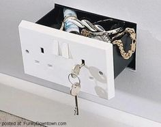 outlet drawer - What a great idea!