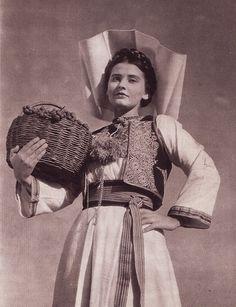 Grape harvest. Yugoslavia.    Source: Portland State University library image archive