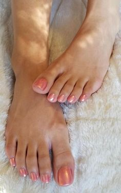 Big sexy toes