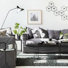 En soffa - tre stilar Se soffan Le Grand Air i tre olika färger; blå, grå och vit, representera tre olika stilar. Nordic Blue, Dark Grey och Exclusive White på Rum21.se. Styling @trendenser och foto @bodilfotograf #rum21