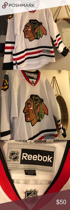 49f8064a9 Official Licensed Blackhawks Jersey Reebok Small White Reebok Size (S) Blackhawks  Jersey Two tiny marks on the lower back side that could probably come out  ...